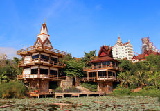Tempio tailandese (Wat Pha Sorn Kaew) immagine stock