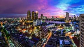 Tempio in Tailandia e città Fotografia Stock Libera da Diritti