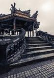 Tempio vietnamita antico con i draghi sulla cima Immagine Stock Libera da Diritti