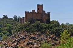 Templar slott av Almourol i Tomar Arkivfoton