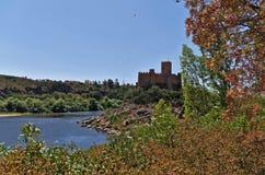 Templar slott av Almourol i Tomar Arkivbilder