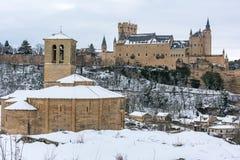 Templariusza kościół Veracruz i Alcazar Segovia w Hiszpania, zima wjazd dokąd boże narodzenia mogą wydający wśrodku Iberyjskiego  obrazy stock