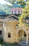 Temple antique dans le monastère de Troyan, Bulgarie Photographie stock