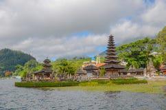 Temple au lac Beratan, Bali, Indonésie images libres de droits