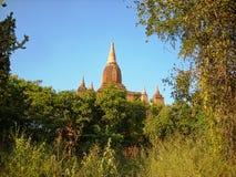 temple au vieux Vietnam en dehors de la ville images libres de droits