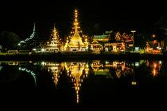 Temple autour de la Thaïlande du nord image stock