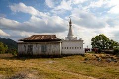 Temple autour de lac Inle photographie stock
