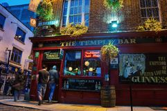Temple bar at night in Dublin, Ireland Stock Photos
