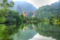 Temple bouddhiste éclairé de coeur photos libres de droits