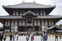 Temple bouddhiste antique Todai-JI à Nara Images stock
