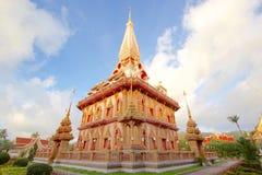 Temple bouddhiste dans le jour nuageux photos libres de droits