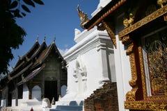Temple bouddhiste de bâtiment architectural en Thaïlande photos stock