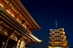 Temple bouddhiste de Sensoji la nuit Photo libre de droits
