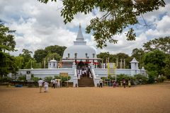 Temple bouddhiste de Thuparama Dagoba dans Anuradhapura Photographie stock