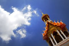 Temple bouddhiste et ciel Images stock