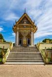 Temple contre le ciel Photo stock