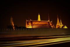 Temple crépusculaire d'Emerald Buddha Wat Phra Kaew de Bangkok Image stock