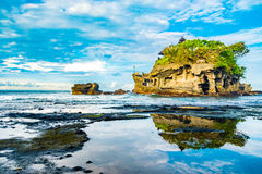Temple d'île de sort de Tanah Image stock