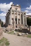 Temple d'Antonii et de faustina, image stock