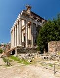 Temple d'Antoninus et de Faustina dans Roman Forum image libre de droits