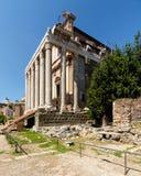Temple d'Antoninus et de Faustina dans Roman Forum images libres de droits