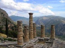 Temple d'Apollo dans la ville antique mystique de Delphes photos libres de droits