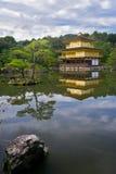 Temple d'or au Japon Images libres de droits