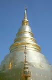 Temple d'or de pagoda en Thaïlande Photographie stock libre de droits