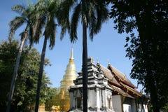 Temple d'or de pagoda en Thaïlande image libre de droits