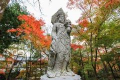 Temple d'Eikando (Zenrin-JI) en automne photo stock