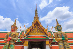 Temple d'Emerald Buddha ou de Wat Phra Kaew, palais grand, Bangkok, Thaïlande Photos stock