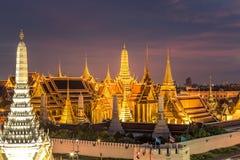 Temple d'Emerald Buddha ou de Wat Phra Kaew, palais grand, Bangkok, Thaïlande Photos libres de droits