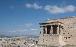 Temple d'Erechtheion sur la colline d'Acropole, Athènes Grèce images stock