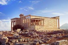 Temple d'Erechtheion sur la colline d'Acropole d'Athènes photographie stock libre de droits