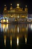 Temple d'or la nuit, Amritsar, Inde image libre de droits