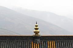 Temple dans la montagne. Photographie stock