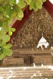 Temple dans le jour ensoleillé du Laos Photos libres de droits