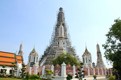 The Temple of Dawn Wat Arun and a beautiful blue sky Stock Photo