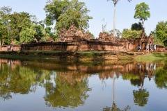 Temple de Banteay Srei chez Siem Reap au Cambodge Photos stock