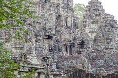 Temple de Bayon avec ses visages en pierre célèbres à Angkor Thom au Cambodge images stock