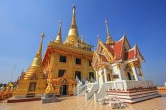 Temple de Bouddha sur la colline supérieure, kiriwong de Wat dans Nakhonsawan Photographie stock