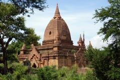Temple de brique dans vieux Bagan Photographie stock libre de droits