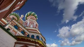 Temple de cathédrale de Basil de saint de Basil la place bénie et rouge, Moscou, Russie banque de vidéos