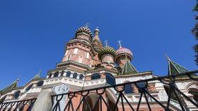 Temple de cathédrale de Basil de saint de Basil la place bénie et rouge, Moscou, Russie photographie stock libre de droits
