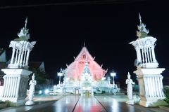 Temple de Chiangrai la nuit, lampang, Thaïlande Photos stock
