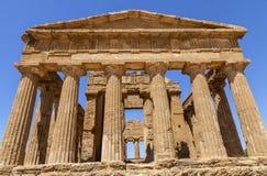 Temple de Concordia, c'est le plus grand et meilleur-préservé temple dorique en Sicile, Agrigente, Italie photo stock