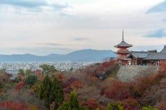 Temple de dera de Kiyomizu en automne Image libre de droits