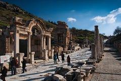 Temple de Hadrian, Ephesus, au coucher du soleil Images stock