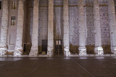 Temple de Hadrian, IL Tempio di Adriano Photographie stock