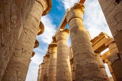Temple de Karnak à Luxor, Egypte Le complexe de temple de Karnak, généralement connu sous le nom de Karnak, comporte un vaste mél images stock